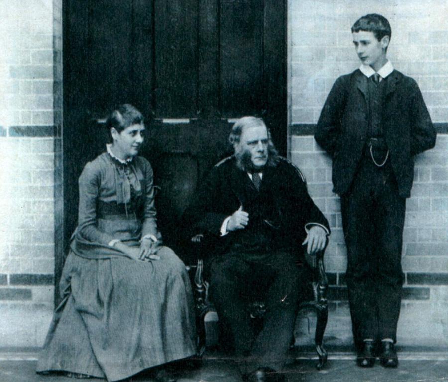Беатрикс Поттер с отцом и братом