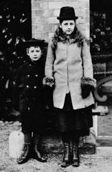 Беатрикс Поттер с братом Бертрамом